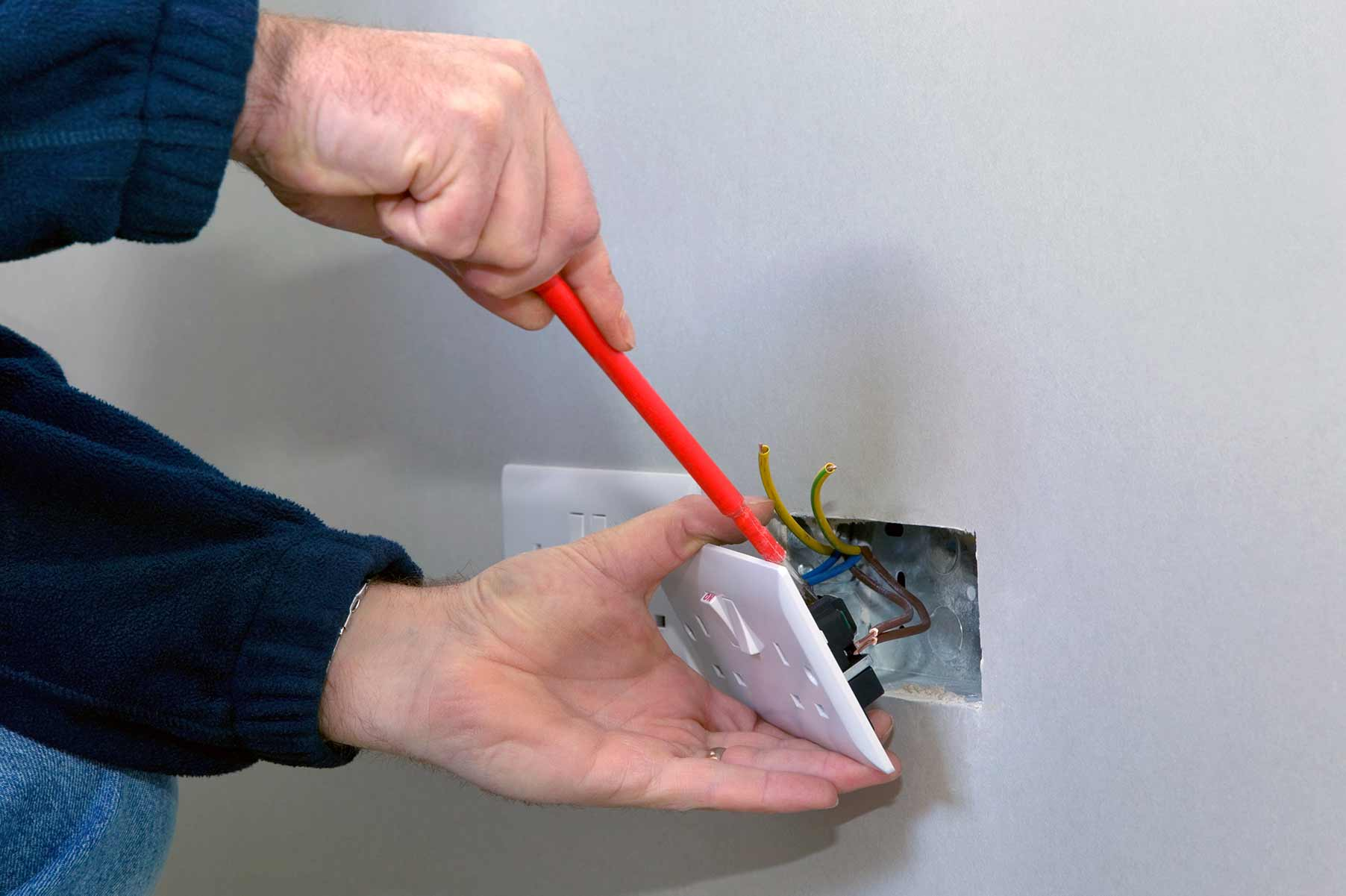 Our electricians can install plug sockets for domestic and commercial proeprties in Tottenham and the local area.